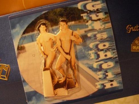 Nacktputzer im Schwimmbad